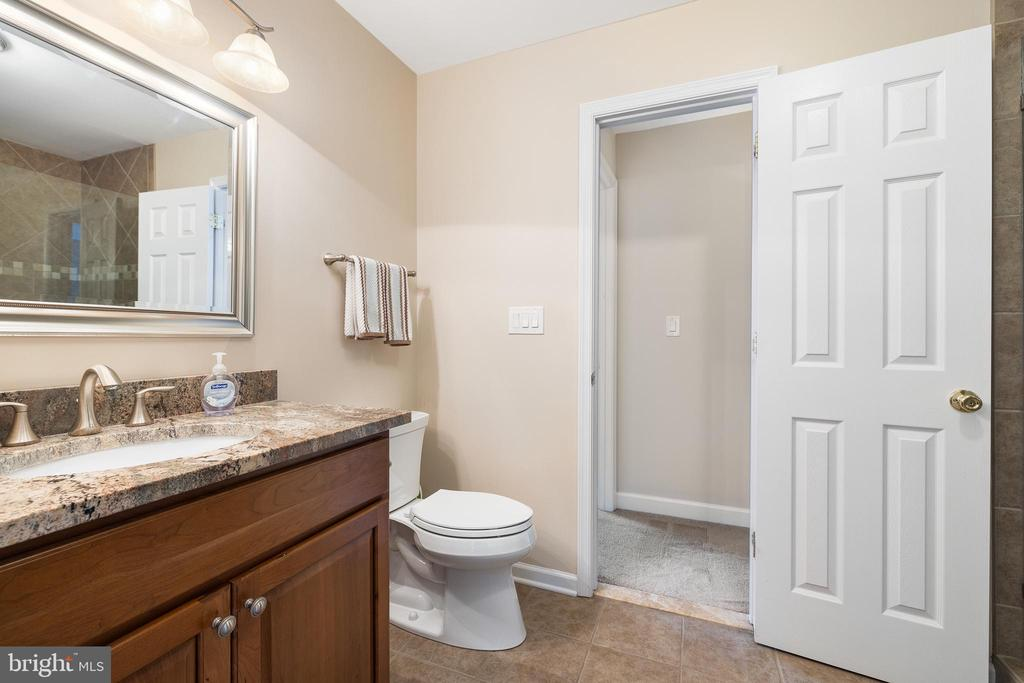 BEDROOM #4'S ATTACHED BATHROOM - 228 ROCK HILL CHURCH RD, STAFFORD