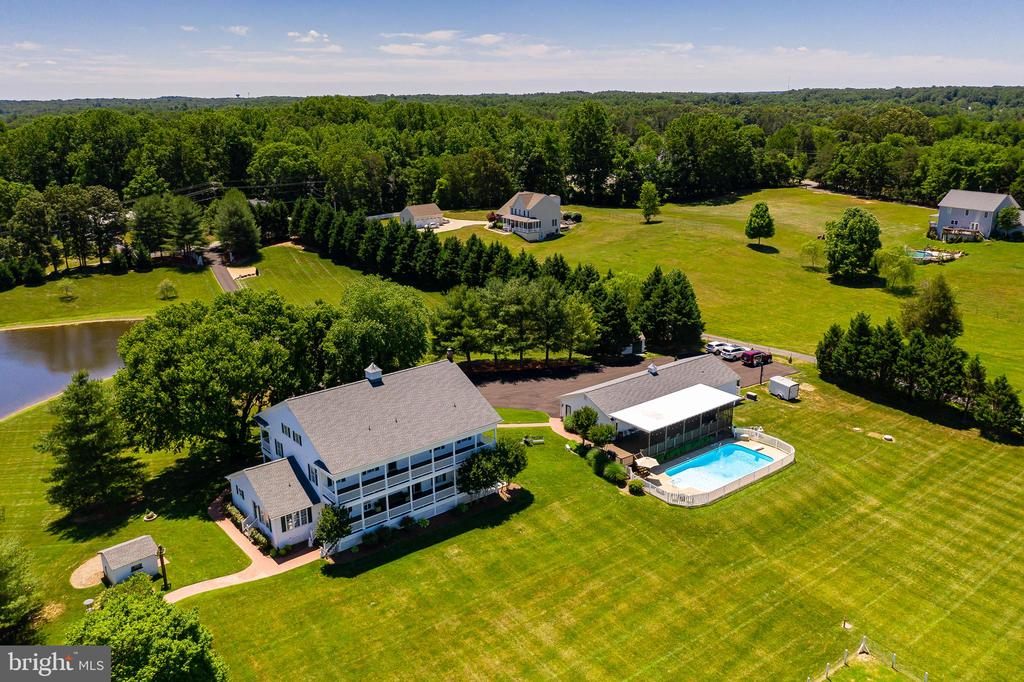 PLANTATION HOUSE & CARRIAGE HOUSE INCLUDED - 228 ROCK HILL CHURCH RD, STAFFORD
