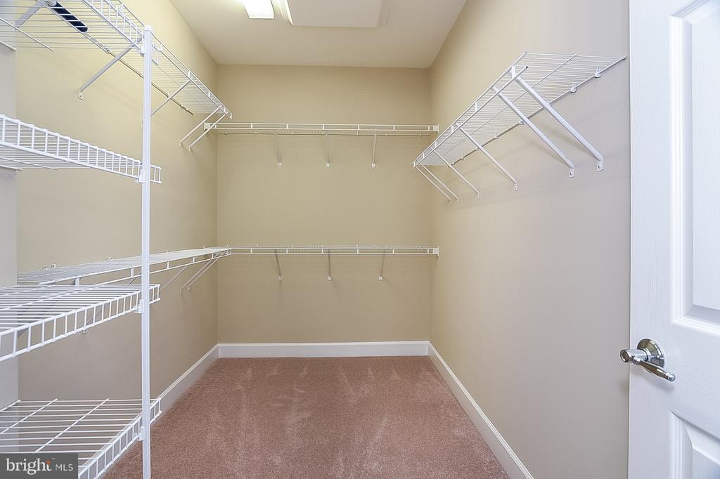 Master Walk In Closet - 45 DENISON ST, FREDERICKSBURG