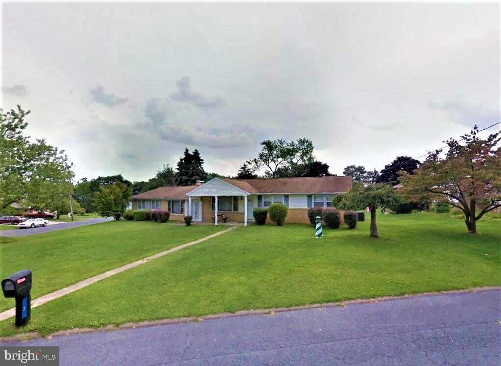 Single Family Homes para Venda às Enola, Pensilvânia 17025 Estados Unidos
