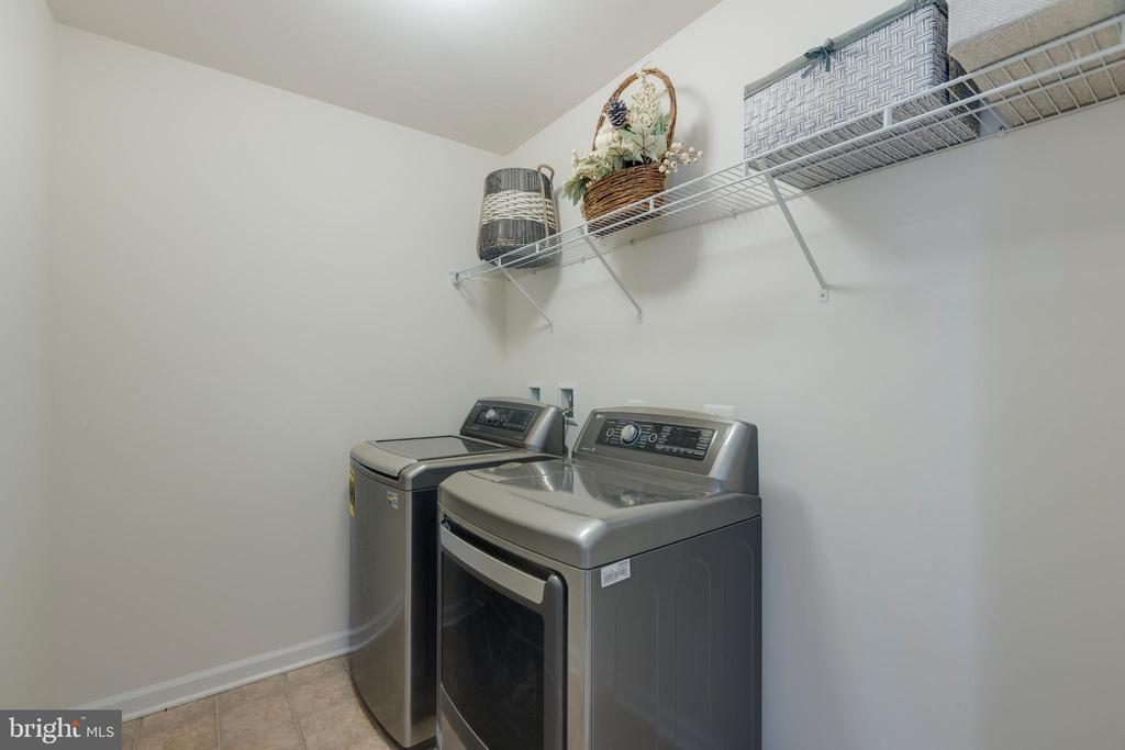 Laundry ROOM on bedroom level - 41887 COUNTRY INN TER, ALDIE