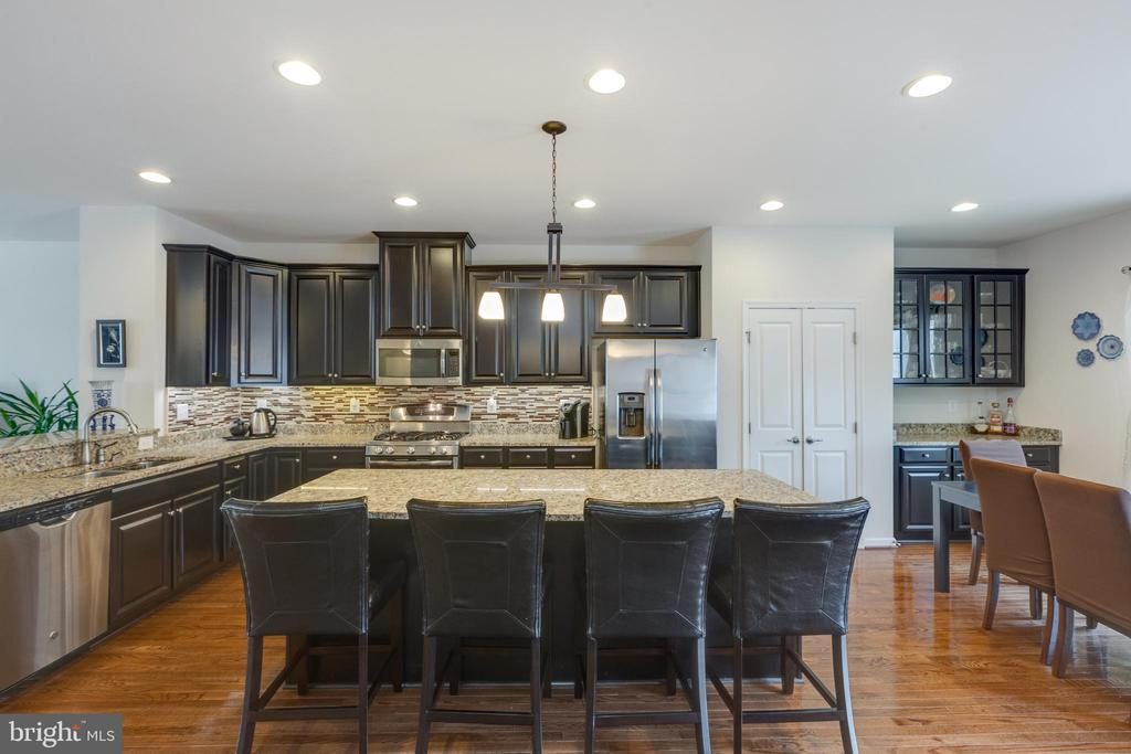 Large kitchen! - 41887 COUNTRY INN TER, ALDIE