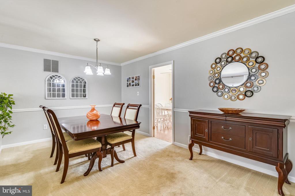 Formal Dining Room - 21121 FIRESIDE CT, STERLING