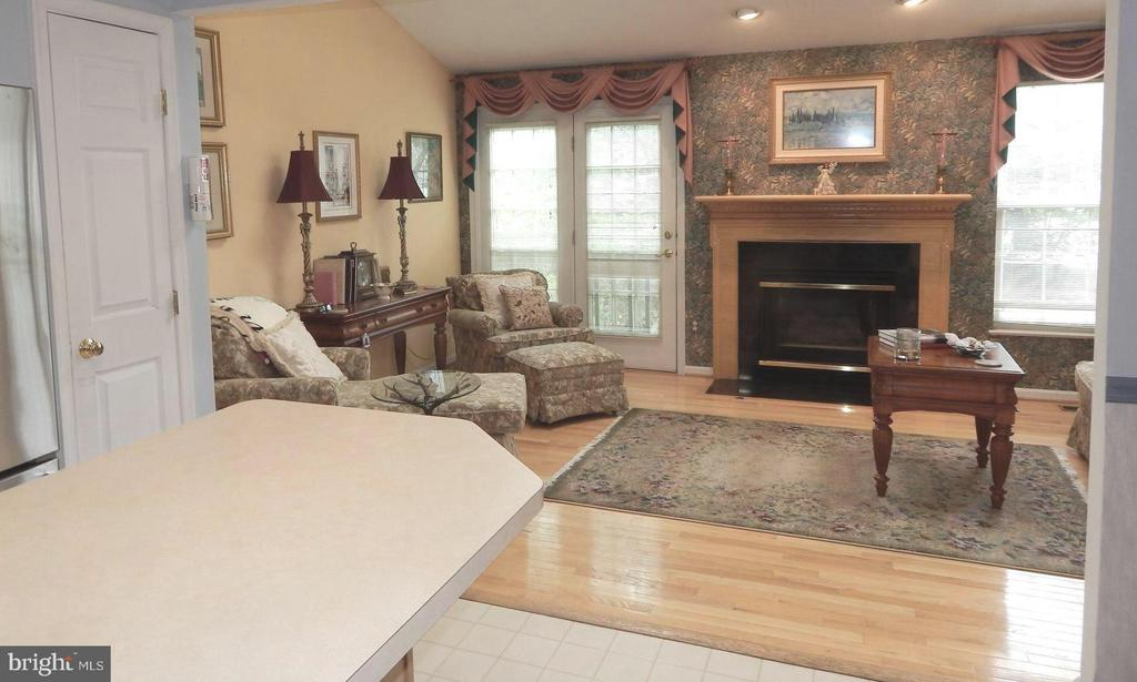Family Rm - Gas Fireplace, wood floors - 4301 CIDER BARREL CT, FREDERICKSBURG