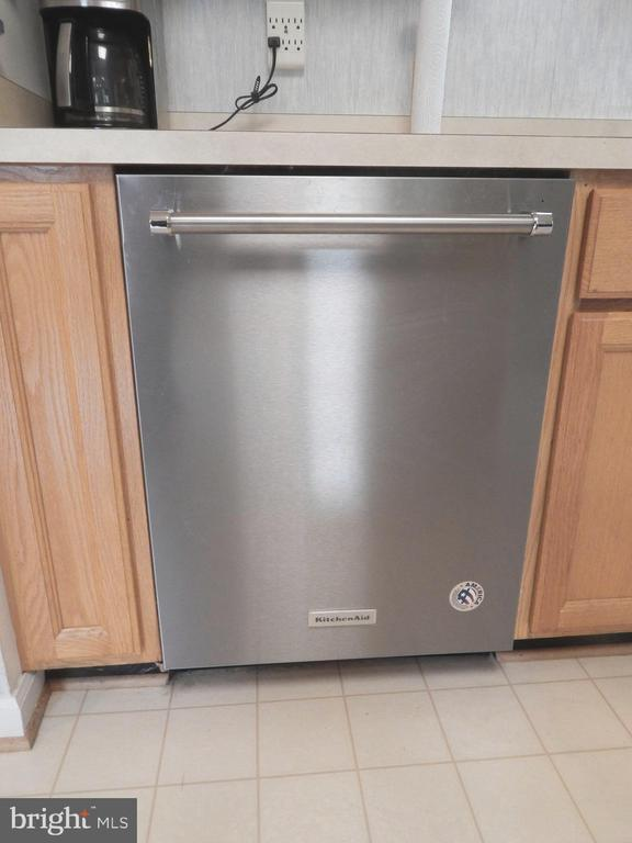 KitchenAid Dishwasher - new November 2019 - 4301 CIDER BARREL CT, FREDERICKSBURG