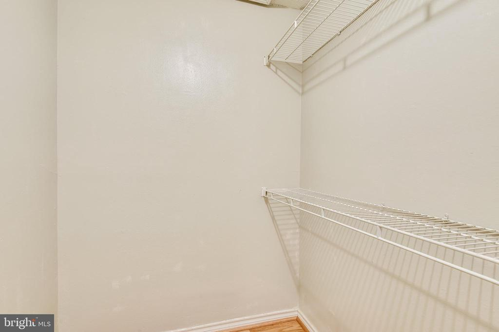 Walk-In Closet - 1504 LINCOLN WAY #404, MCLEAN