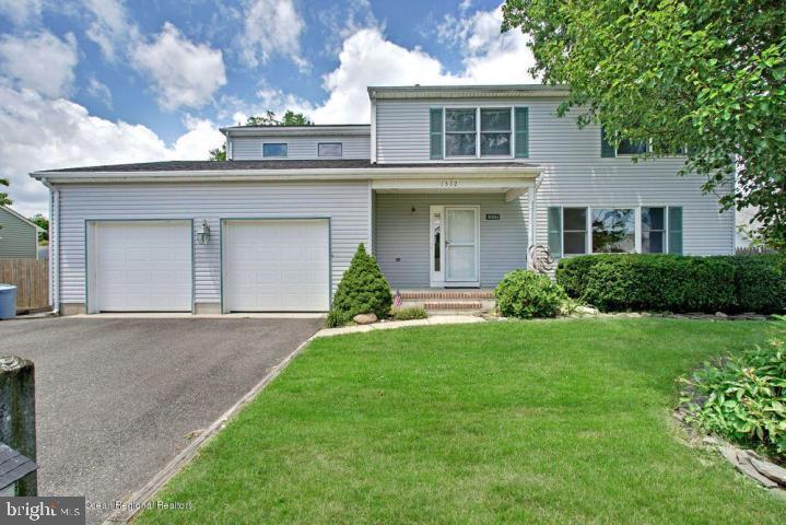 Single Family Homes för Försäljning vid Beachwood, New Jersey 08722 Förenta staterna