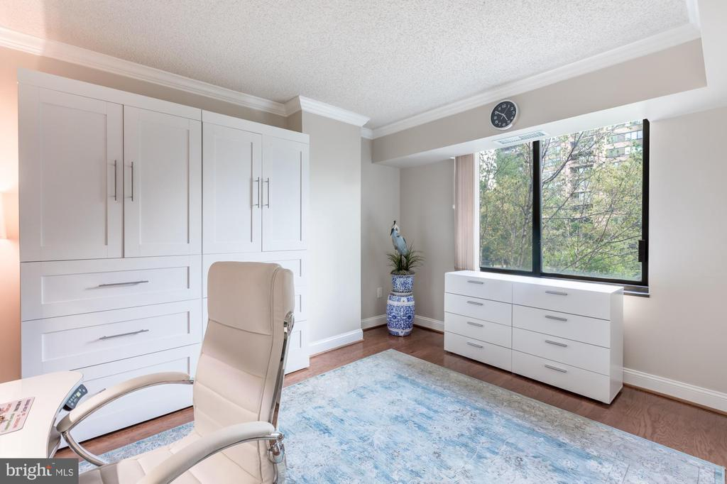 Bedroom 3, dressers convey (optional) - 1300 CRYSTAL DR #306S, ARLINGTON