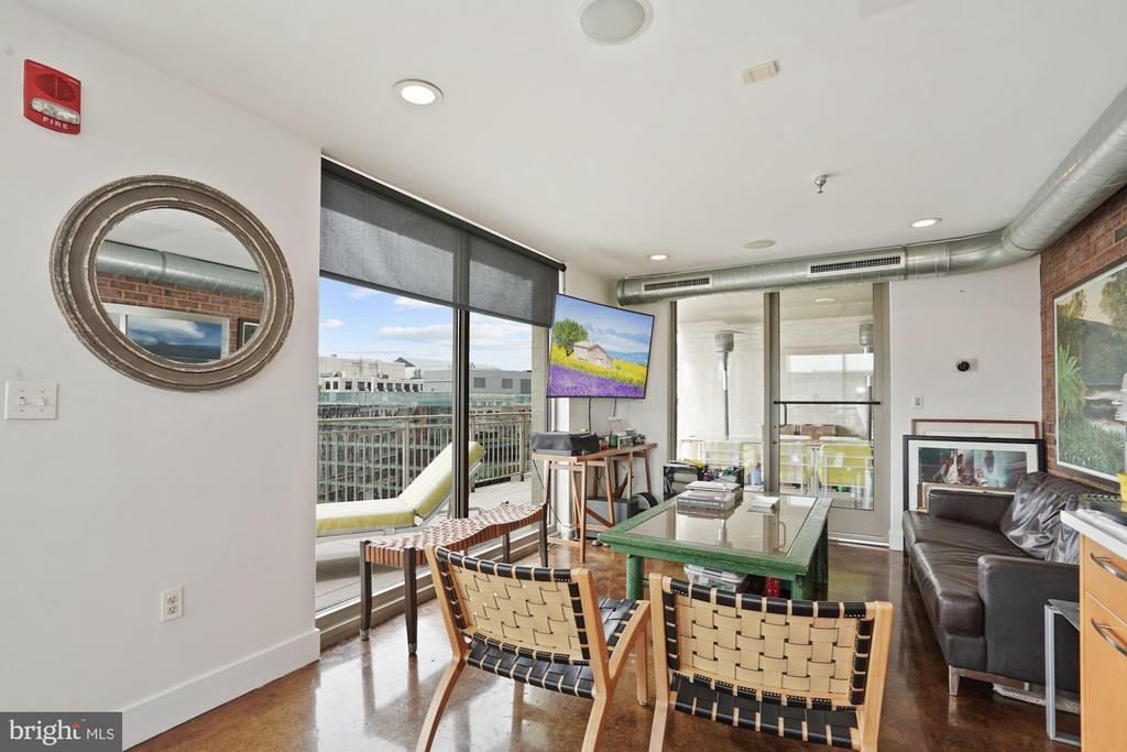 2nd living area great for entertaining! - 916 G ST NW #1004, WASHINGTON