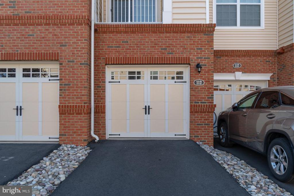 1 car attached garage! - 23305 MILLTOWN KNOLL SQ #112, ASHBURN