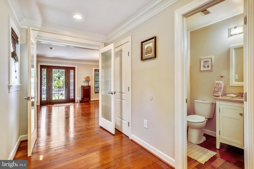 Hall Showing Entry and Powder room - 7733 SCHELHORN RD, ALEXANDRIA