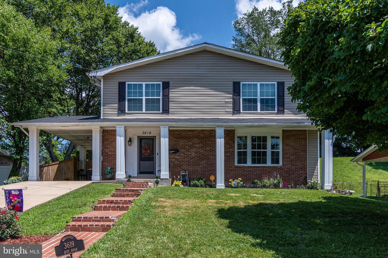 Single Family Homes pour l Vente à Glenarden, Maryland 20774 États-Unis