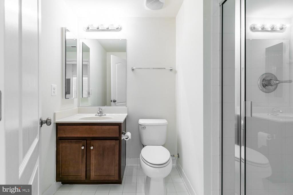 Lower Level FULL Bath - 43389 RICKENBACKER SQ, ASHBURN