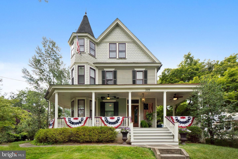 Duplex Homes için Satış at Collingswood, New Jersey 08108 Amerika Birleşik Devletleri