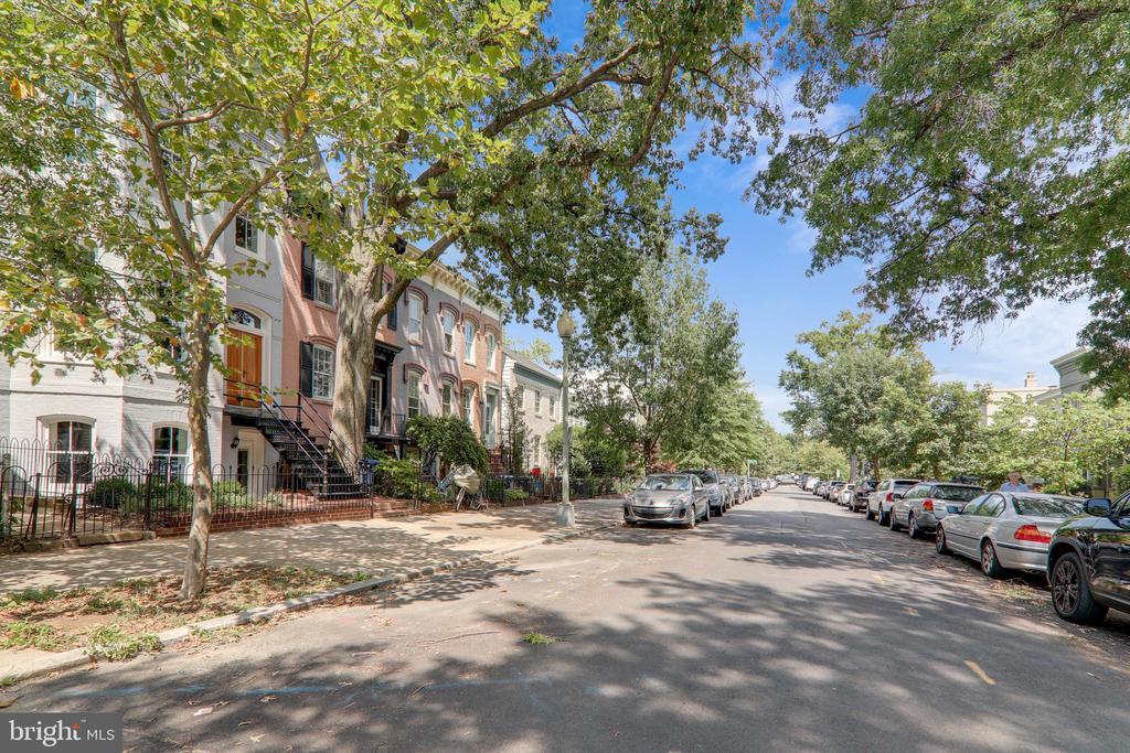 Great Tree Lined Street on Capitol Hill - 602 E ST SE #A, WASHINGTON