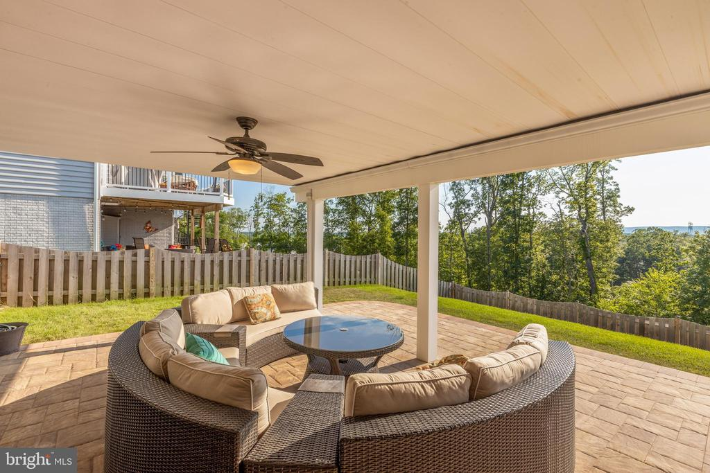 Underdecking patio! - 25821 RACING SUN DR, ALDIE