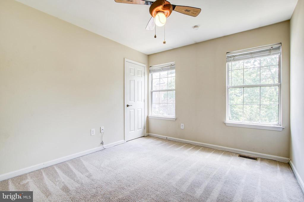 Bedroom #2 - 14810 CROSSVALLEY RD, BURTONSVILLE