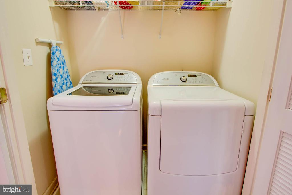 Laundry - 42612 ANABELL LN, CHANTILLY