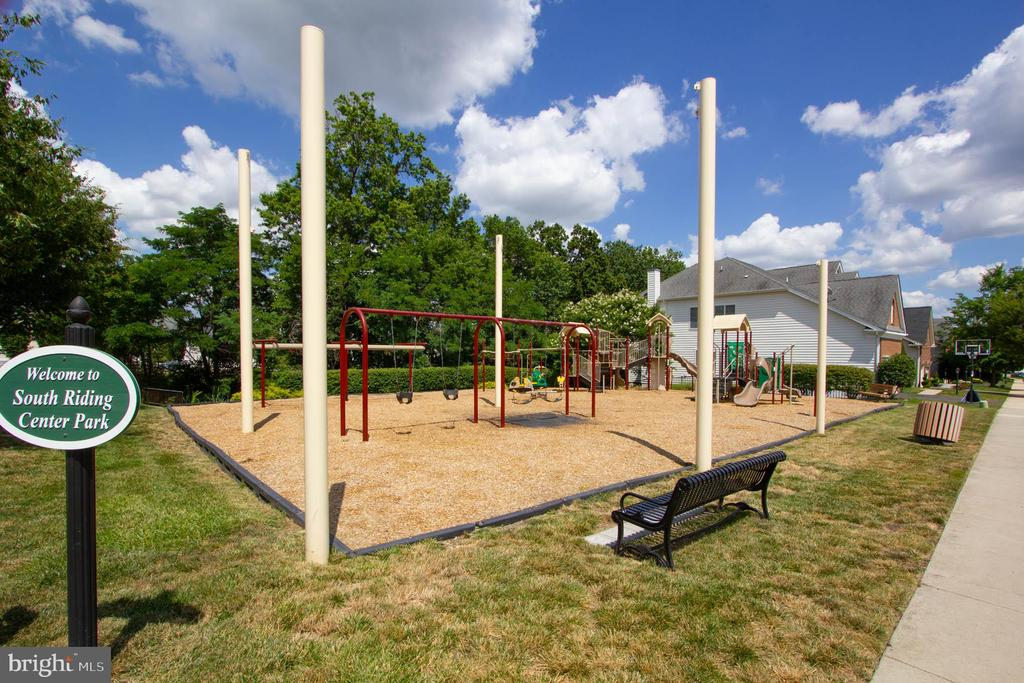 Community Tot Lot - 42612 ANABELL LN, CHANTILLY