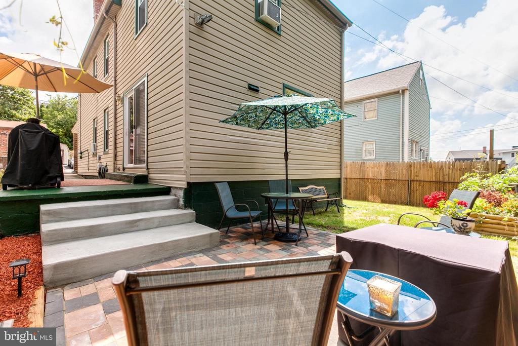 NEW Rear Patio-Listen to the Stream behind you! - 19 PETERSVILLE RD, BRUNSWICK