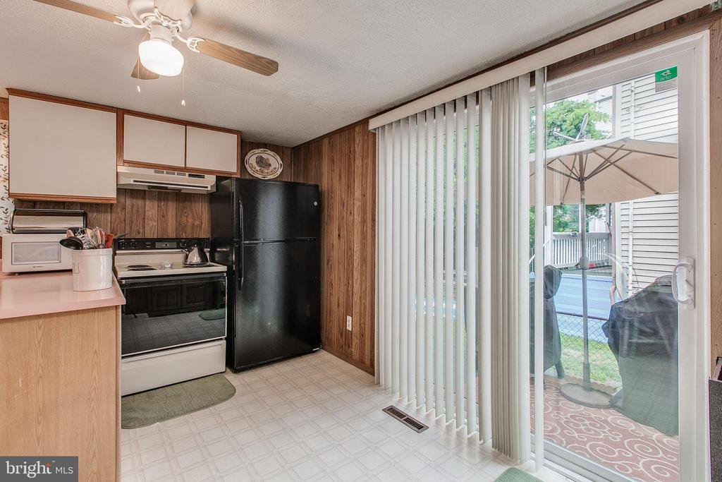 Kitchen with Slider to Patio - 19 PETERSVILLE RD, BRUNSWICK