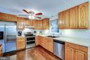 Stainless appliances - 103 APPLEGATE DR, STERLING