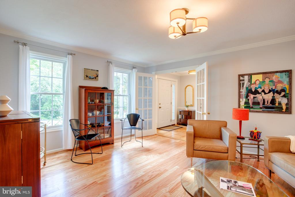 Family Room Front of Home, Refinished Wood Floors - 1960 BARTON HILL RD, RESTON