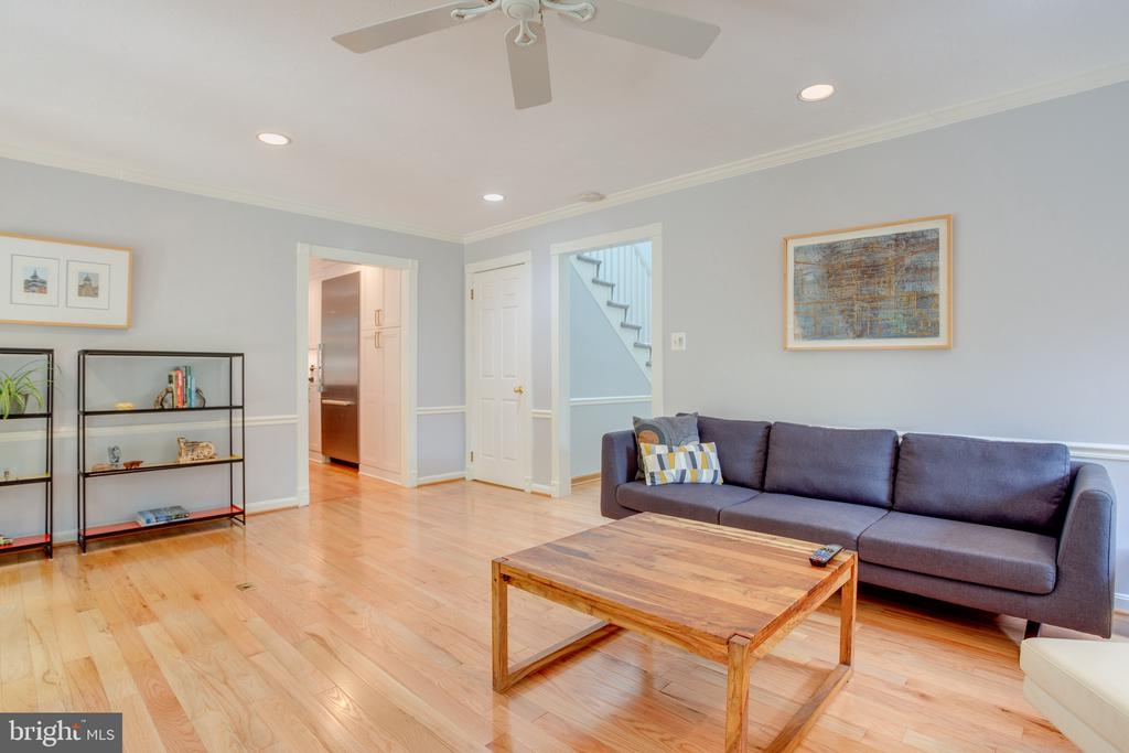 Living Room Facing 42 Ft Deck, Hardwood Floors - 1960 BARTON HILL RD, RESTON