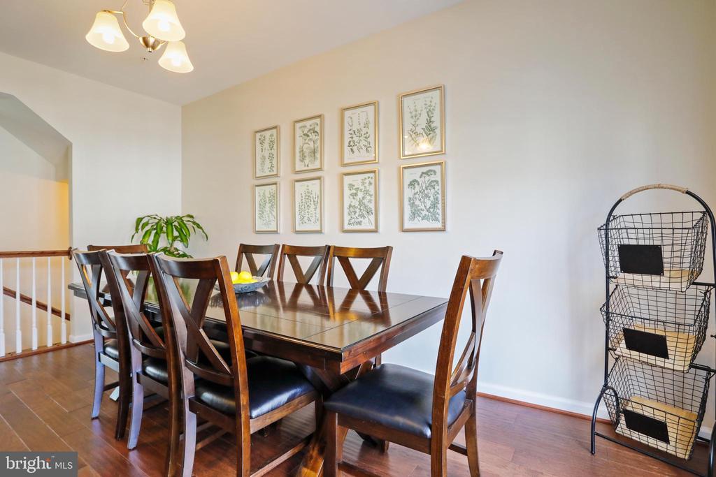Dining Area - 10096 BEERSE ST, IJAMSVILLE