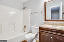 full bath - 6 S POINTE LN, FREDERICKSBURG