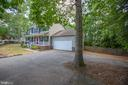 large driveway with plenty of parking - 6 S POINTE LN, FREDERICKSBURG