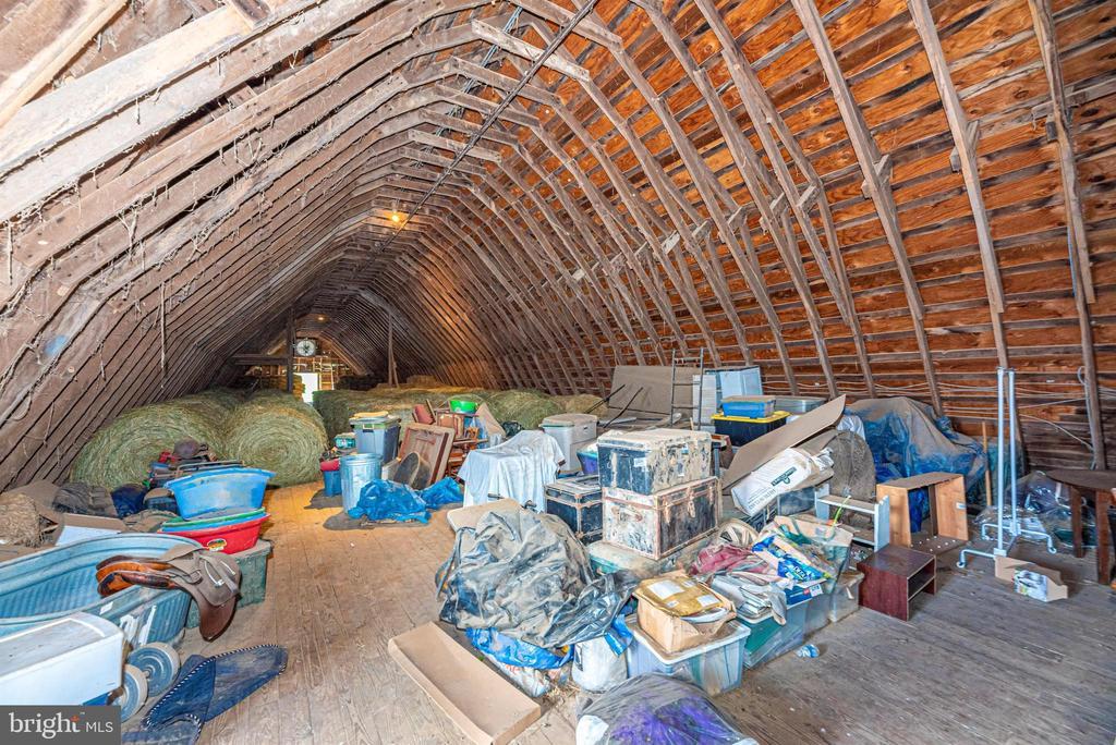 HUGE storage area in above lower barn - 11437 BETHESDA CHURCH RD, DAMASCUS