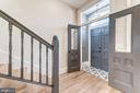Formal vestibule with double doors - 704 G ST NE, WASHINGTON