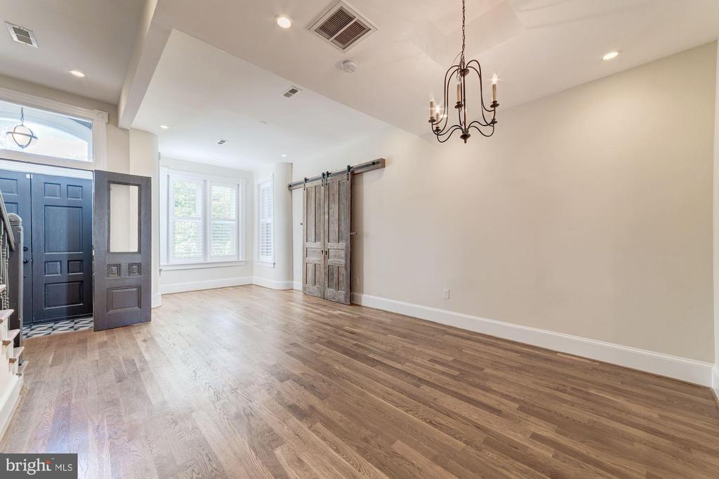 Hardwood floors throughout - 704 G ST NE, WASHINGTON