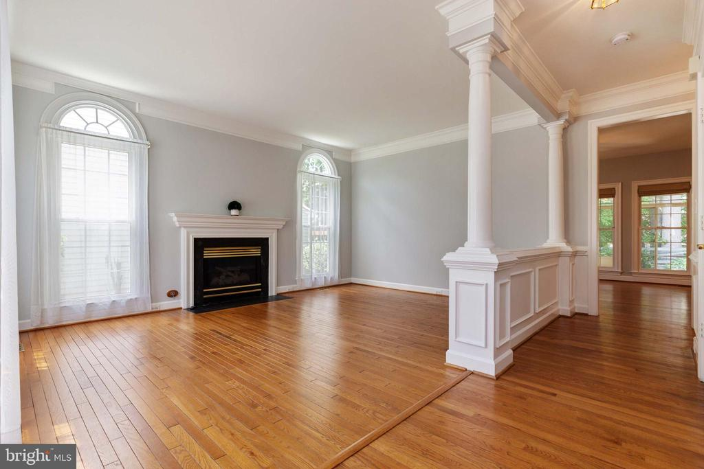 Formal Living Roon w/gas Fireplace - 9510 CLAYCHIN CT, BURKE