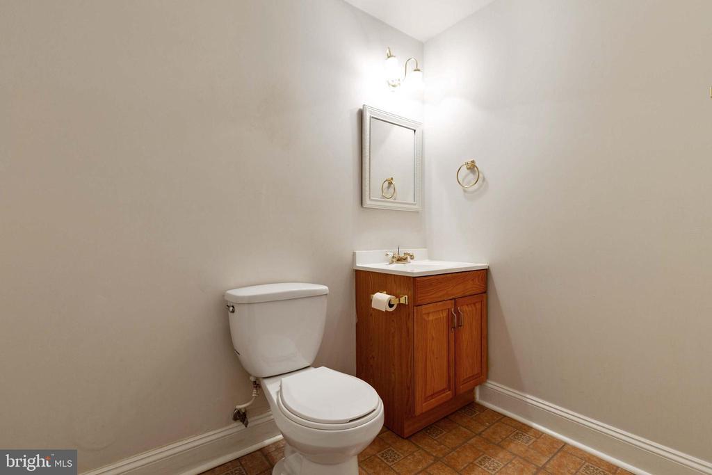 Half Bath in Lower Level - 9510 CLAYCHIN CT, BURKE