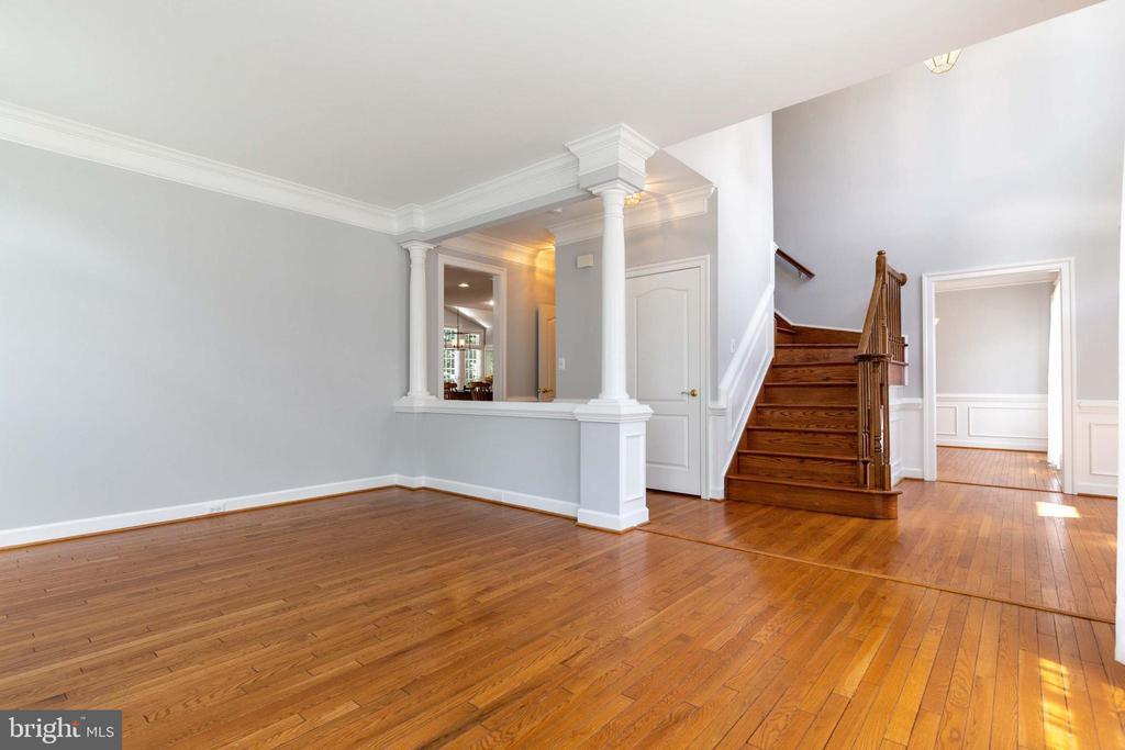 Formal Living Room - 9510 CLAYCHIN CT, BURKE