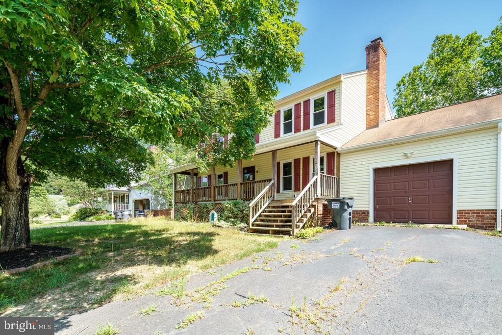 2nd view of front of house - 3204 AQUIA DR, STAFFORD