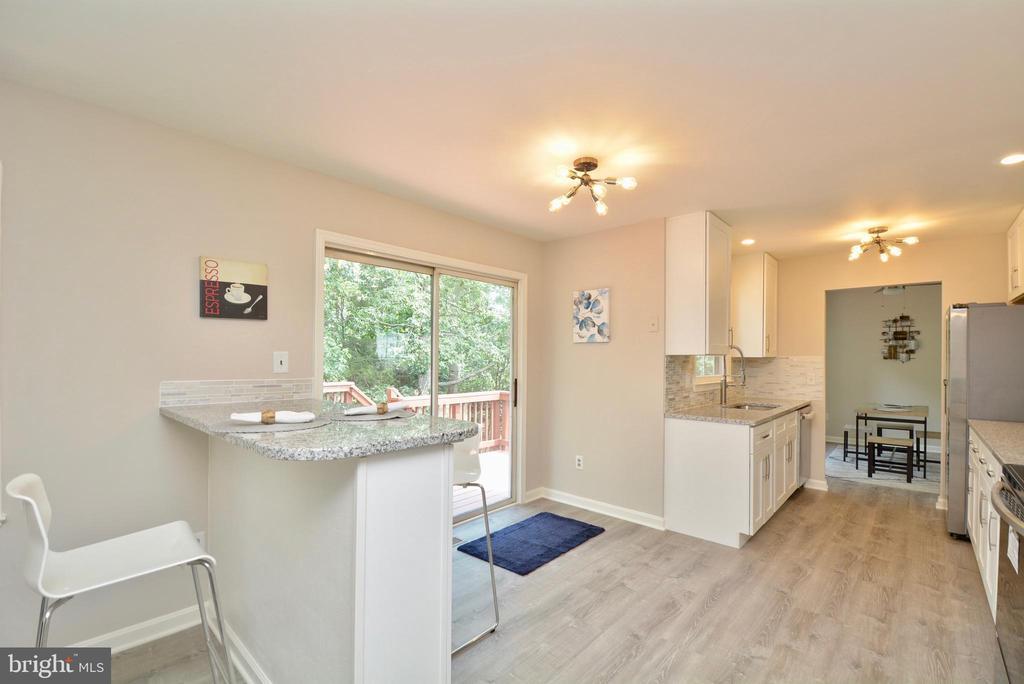 Kitchen - Third View - 13416 BRYCE CT, HERNDON