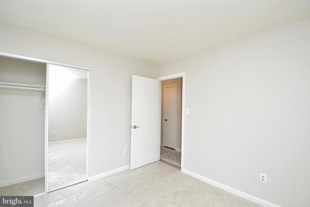 First Bedroom - Second View - 13416 BRYCE CT, HERNDON