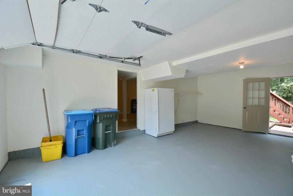 Garage - 13416 BRYCE CT, HERNDON