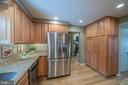 Pantry cabinets  to right feature pull out drawers - 505 WOODSHIRE LN, HERNDON