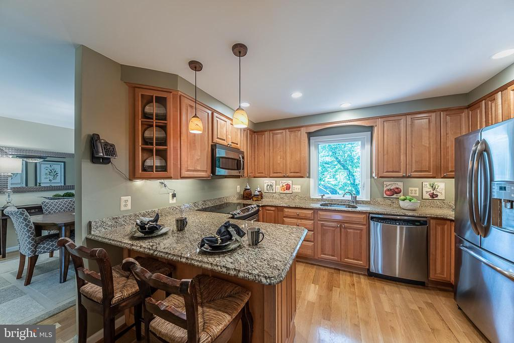 Now you're ready to cook - 505 WOODSHIRE LN, HERNDON