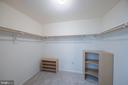Owners' suite walk in closet - 505 WOODSHIRE LN, HERNDON