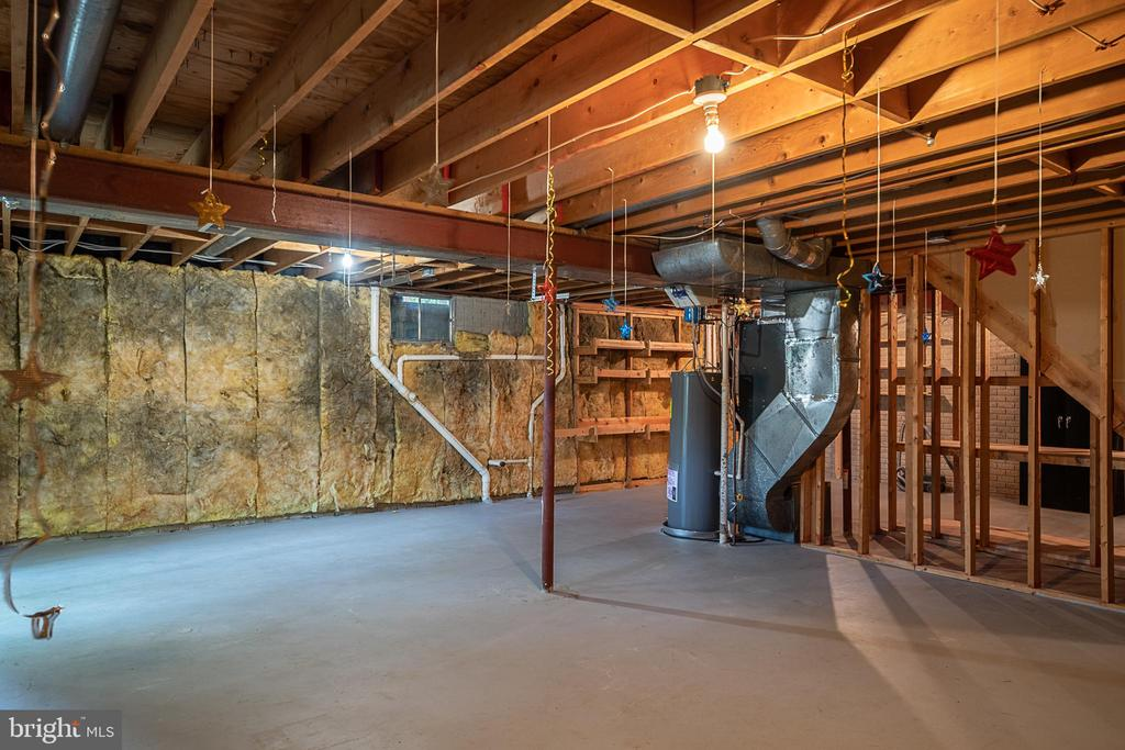 Basement has rough in ready for bath addition - 505 WOODSHIRE LN, HERNDON