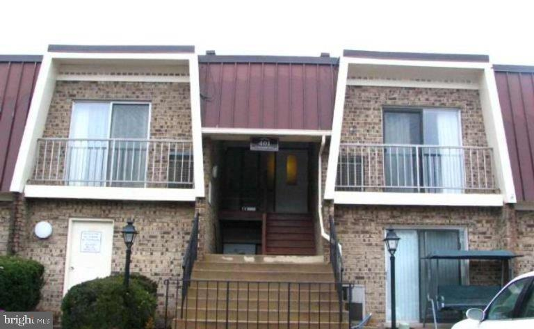 - 401 E DARTMOUTH DR #8, STERLING