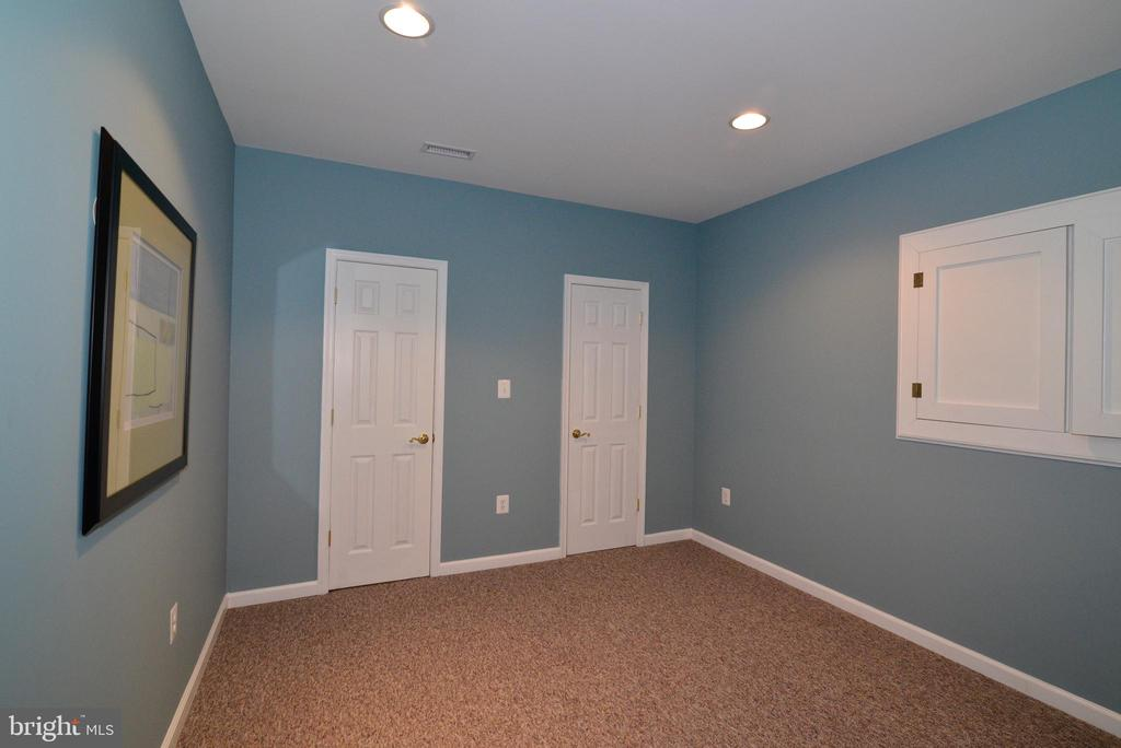 Room 1 - 47322 WESTWOOD PL, STERLING