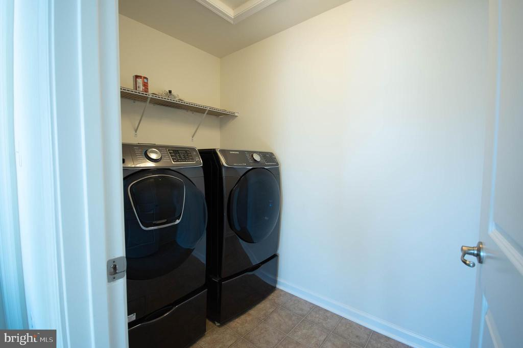 2nd Floor Laundry - 4 CUPOLA LN, STAFFORD