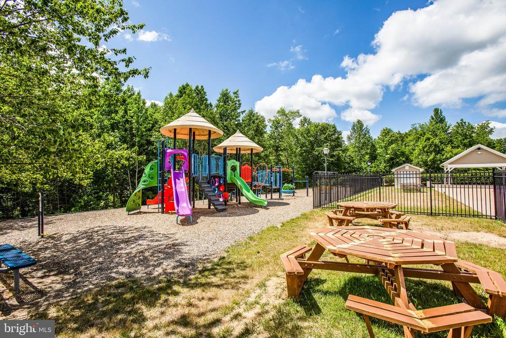 Community park and picnic area - 9 GALLERY RD, STAFFORD