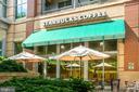 Starbucks next door - 8220 CRESTWOOD HEIGHTS DR #1814, MCLEAN